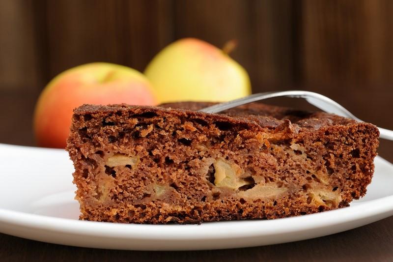 Вот как я готовлю яблочный пирог на кефире. Всего один стакан…